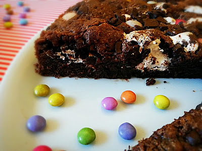 Giant Double Chocolate Cookie mit Marshmallowfluff