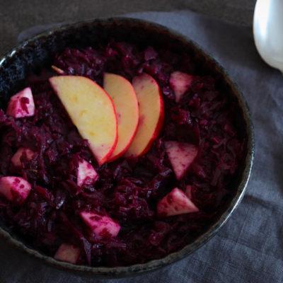 Apfelrotkohl – Gesunde und leckere Gemüsebeilage für Herbst und Winter
