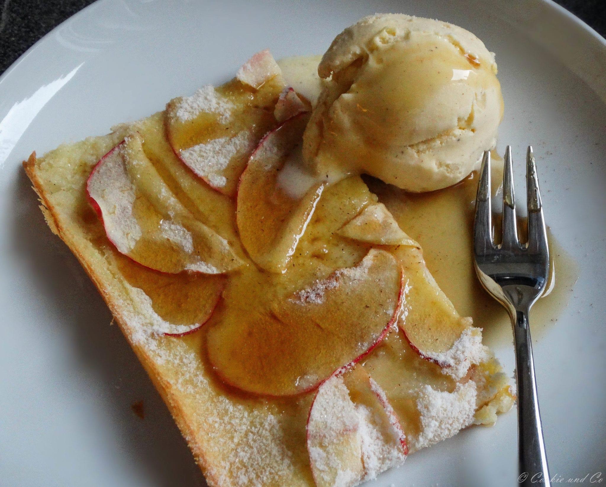 Ofenpfannkuchen mit Äpfeln