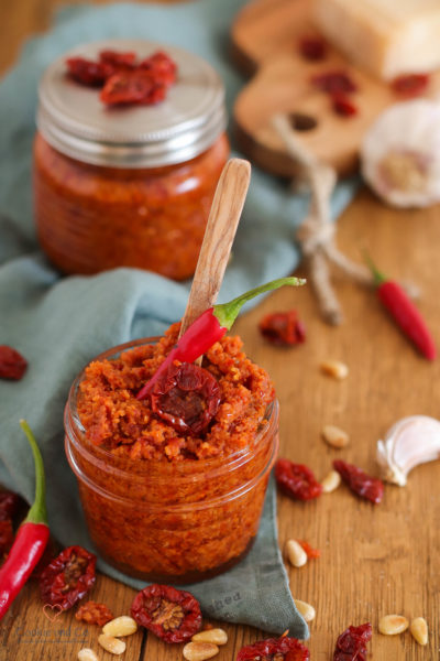 Pesto mit getrockneten Cherrytomaten