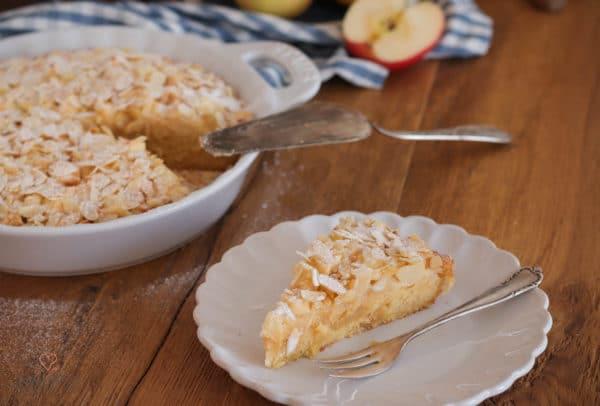 Versunkener Apfel-Mandel-Kuchen mit Marzipan-1