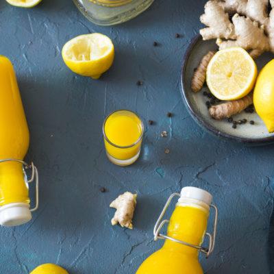 Zitronen-Ingwer-Trunk mit Kurkuma (Erkältungskiller)