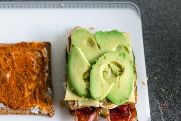 Avocado-Bacon Sandwich mit zweierlei Pesto GRAEF SlicedKitchen