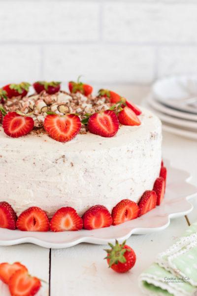 Erdbeertorte-mit-Yogurette