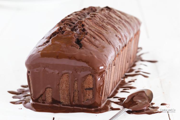 Schokoladenkuchen mit Scholoadenglasur