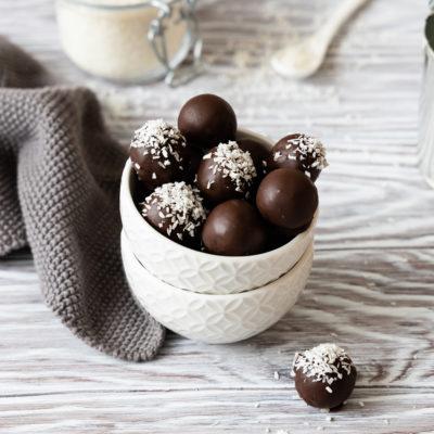 Bounty-Konfekt | schnelles Kokos-Konfekt mit Schokolade