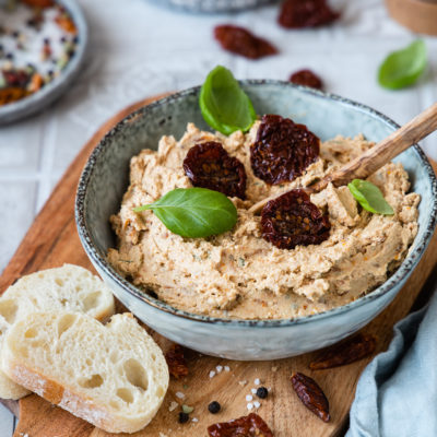 Mediterrane Tomaten-Feta-Creme (Dip & Aufstrich)