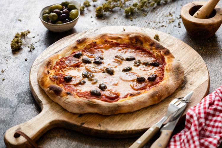 Pizzateig Grundrezept mit wenig Hefe und Lievito Madre sowie Übernachtgare