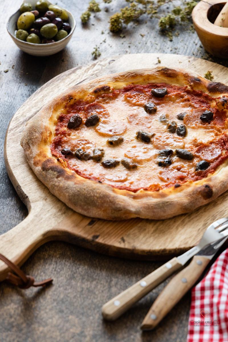 Pizza Grundrezept mit wenig Hefe und Lievito Madre sowie Übernachtgare