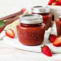 Erdbeer-Rhabarber-Konfitüre mit Holunder