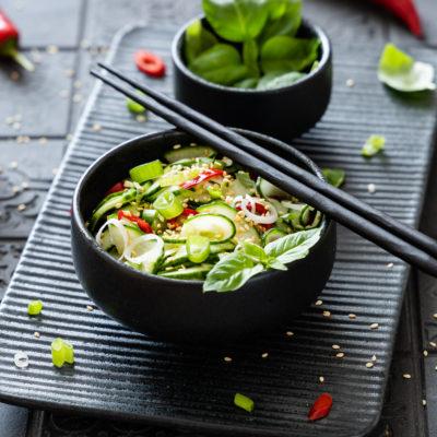 Thailändischer Gurkensalat (Ajad)